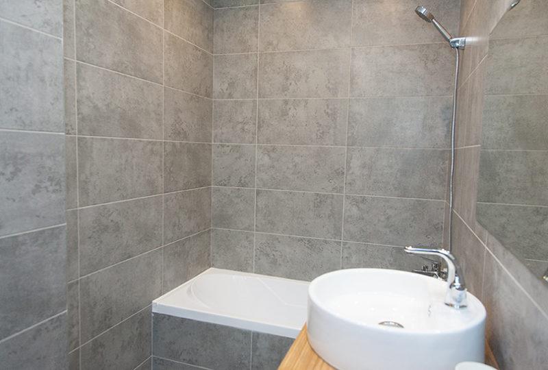 ванная с раковиной