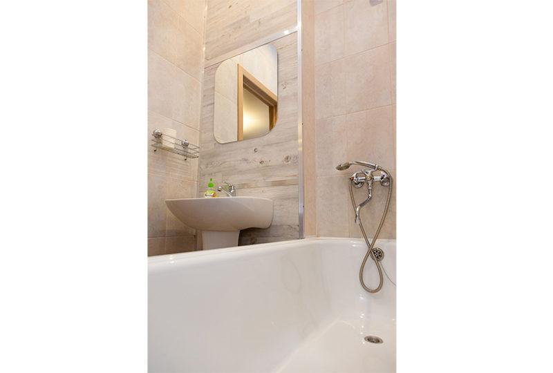 ванная с зеркалом