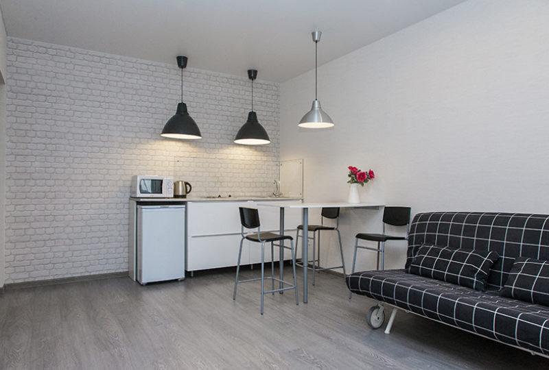 кухня и диван
